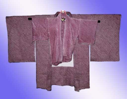 完成した羽織と 仮絵羽の羽織を比べた写真